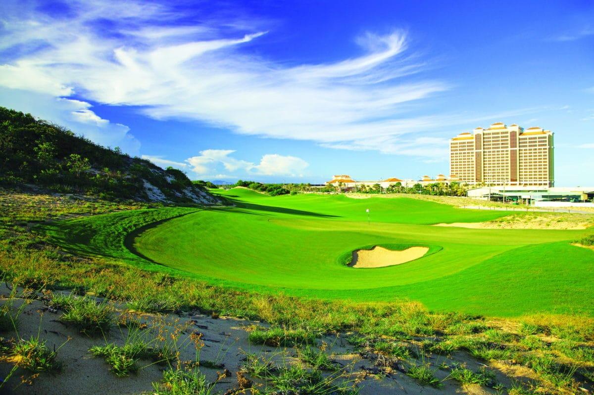 Sân golf 18 lỗ The Bluffs - IXORA HỒ TRÀM