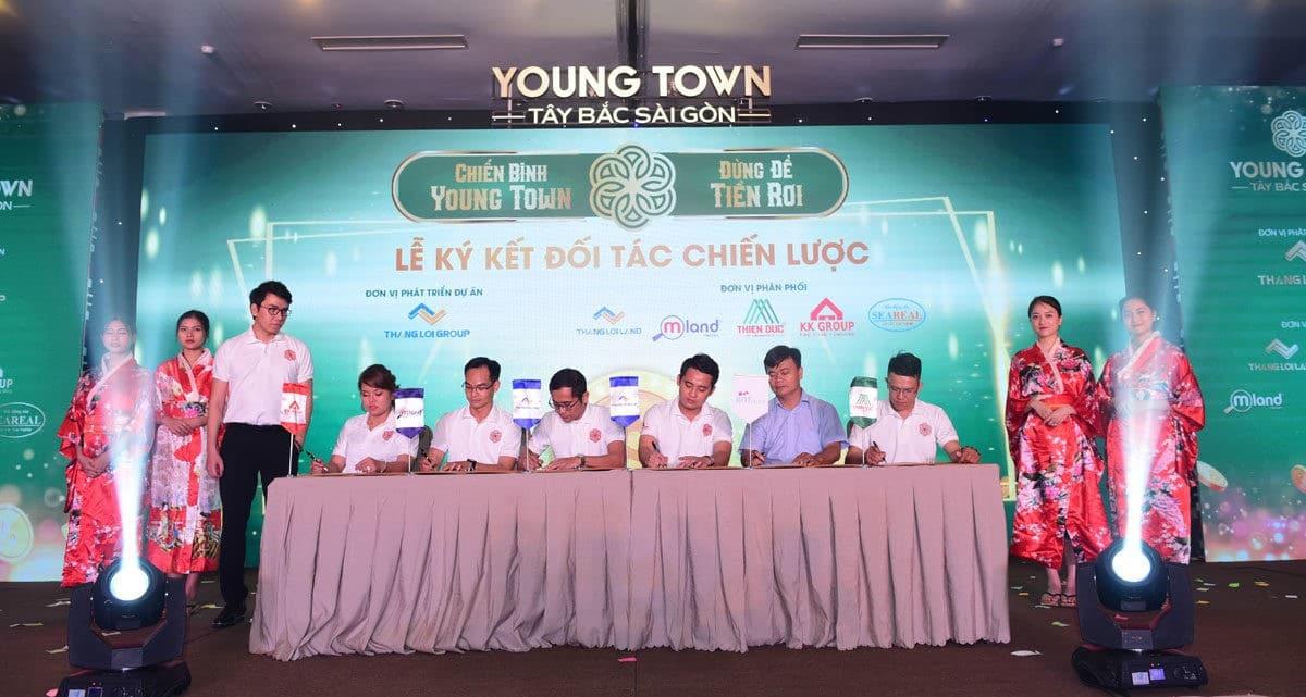 Lễ ký kết hợp tác Dự án Đất nền - Nhà phố Young Town Tây Bắc Sài Gòn