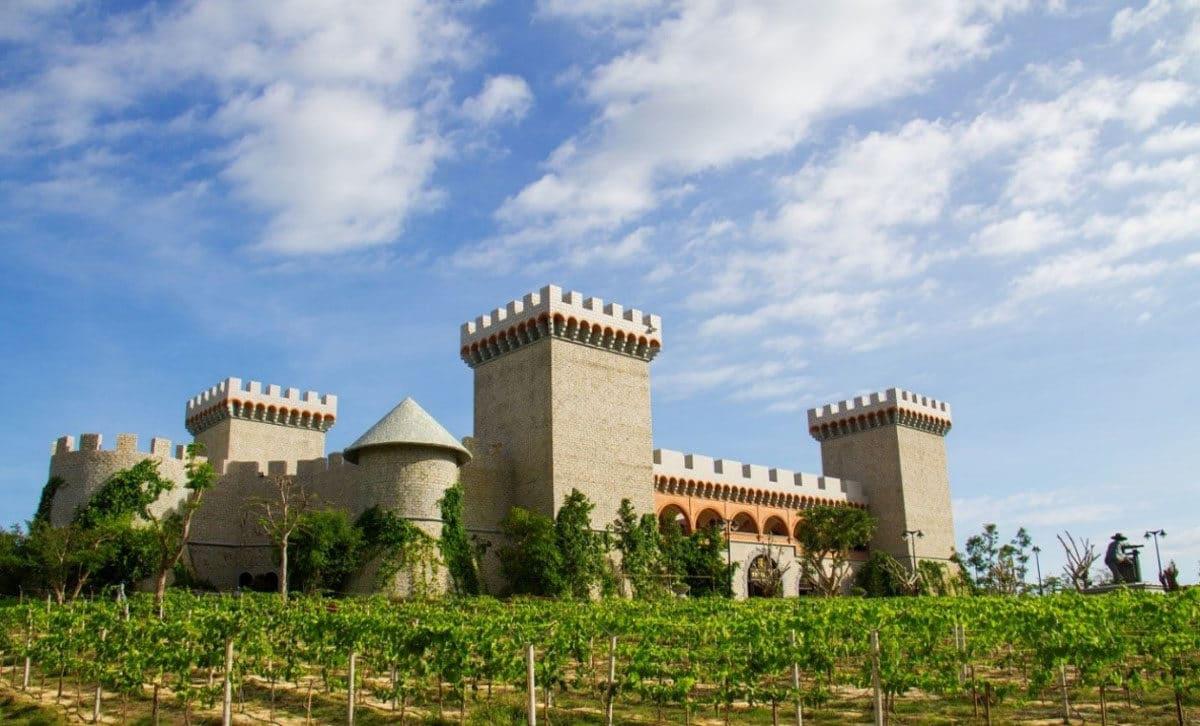 Lâu đài rượu vang RD Wine Castle đầu tiên và duy nhất tại Việt Nam