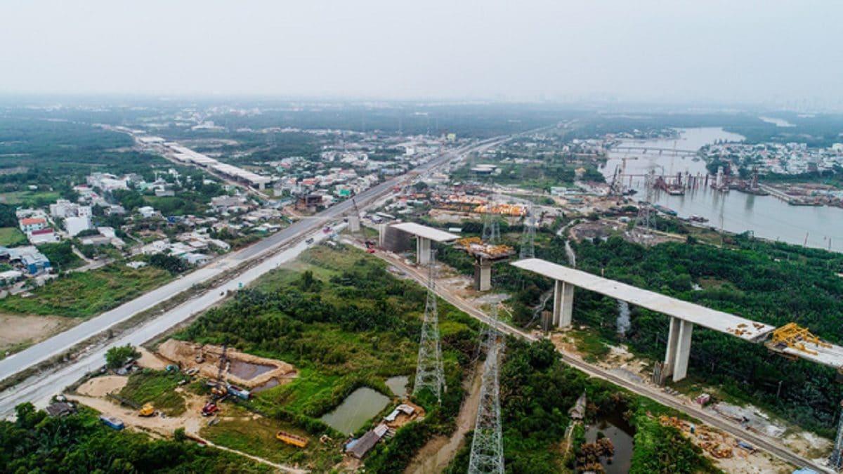 Cao tốc Bến Lức Long Thành đang thi công - DỰ ÁN CĂN HỘ RAY DE MANOR HỒ TRÀM
