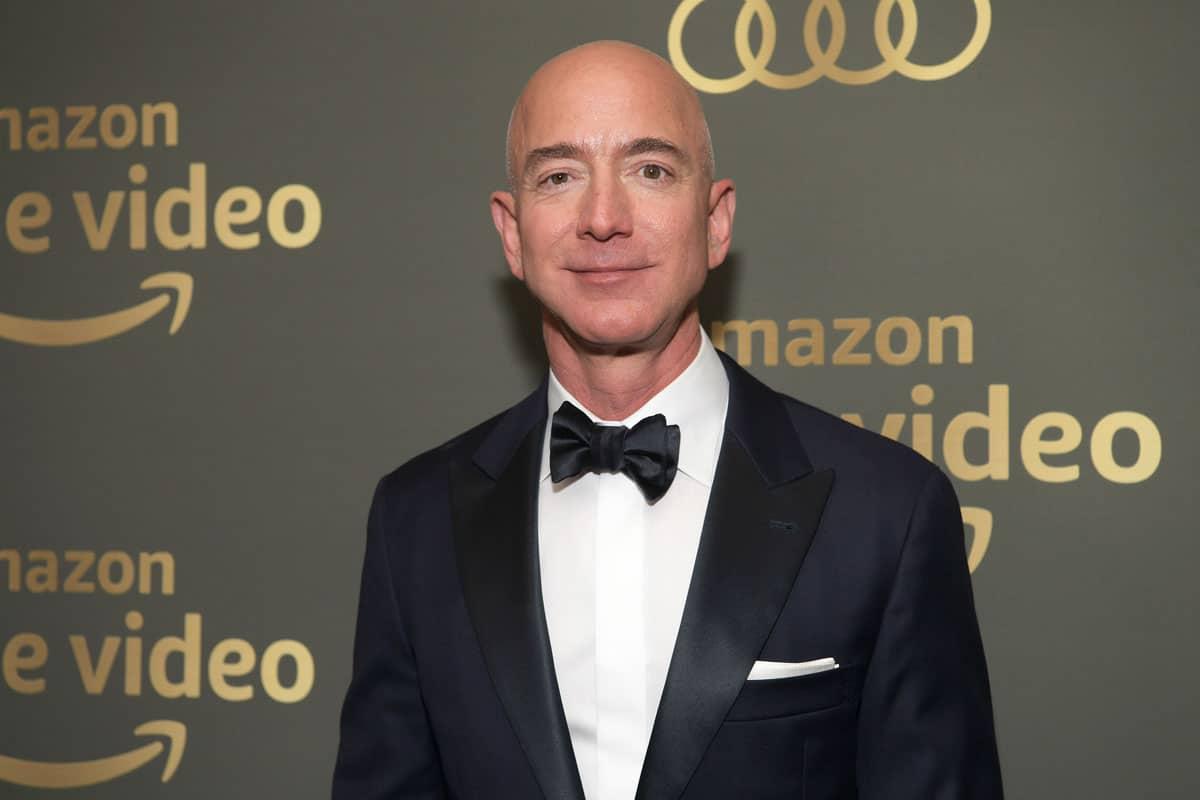 Jeff Bezos - BẢNG XẾP HẠNG 10 TỶ PHÚ GIÀU NHẤT THẾ GIỚI DO FORBES CÔNG BỐ MỚI NHẤT NĂM 2020