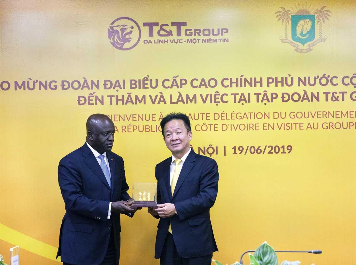 TT Group mở rộng đầu tư sang nước ngoài - TẬP ĐOÀN T&T GROUP