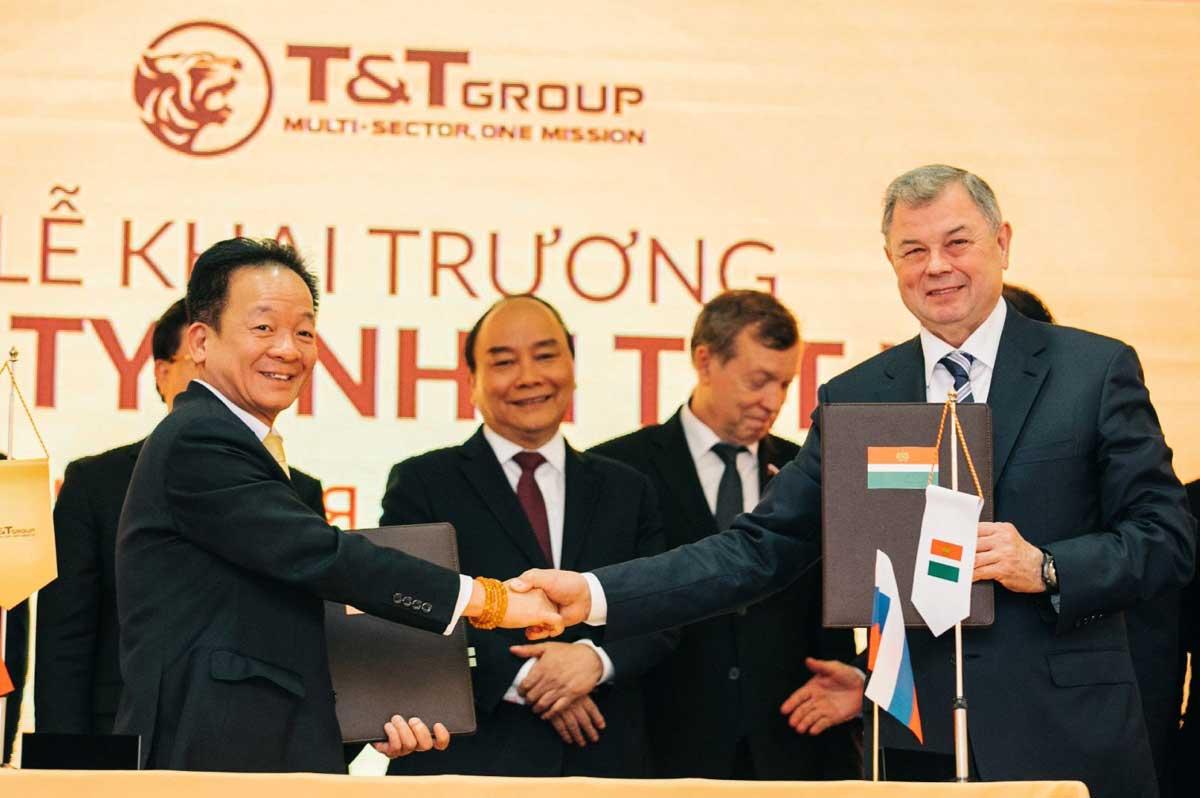Trao thỏa thuận hợp tác khung giữa tỉnh Kaluga và TT Group - TẬP ĐOÀN T&T GROUP