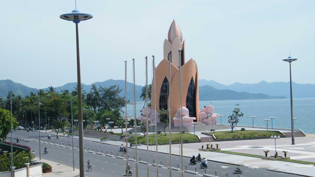 Tháp Trầm Hương Nha Trang - THE ASTON LUXURY RESIDENCE NHA TRANG