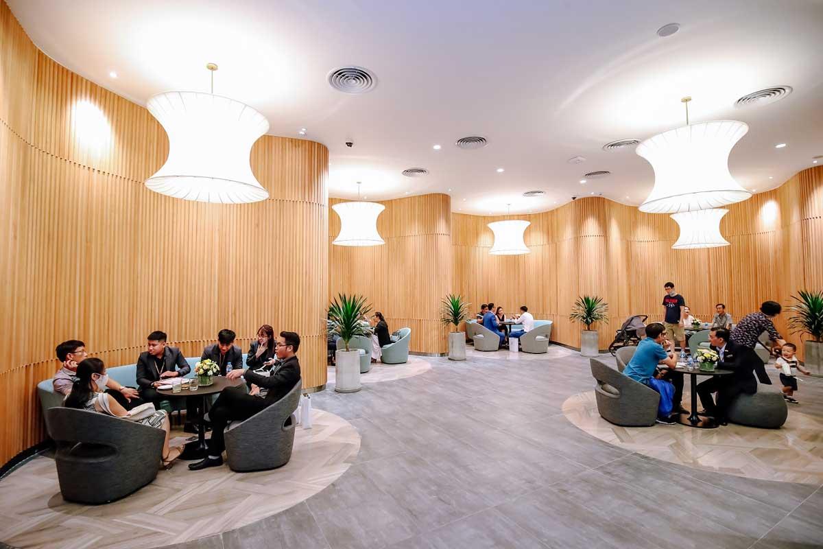 khach hang tham quan nha mau masteri centre point quan 9 - MASTERI CENTRE POINT QUẬN 9