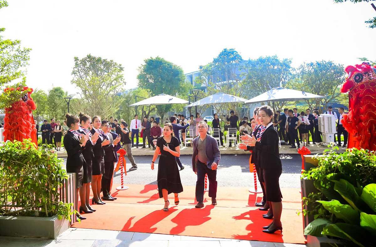 khai truong nha pho mau the standard central park binh duong - THE STANDARD CENTRAL PARK BÌNH DƯƠNG
