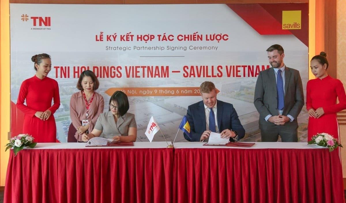 Day manh hop tac chien luoc cua Savills va TNI Holdings Vietnam - SAVILLS VIỆT NAM