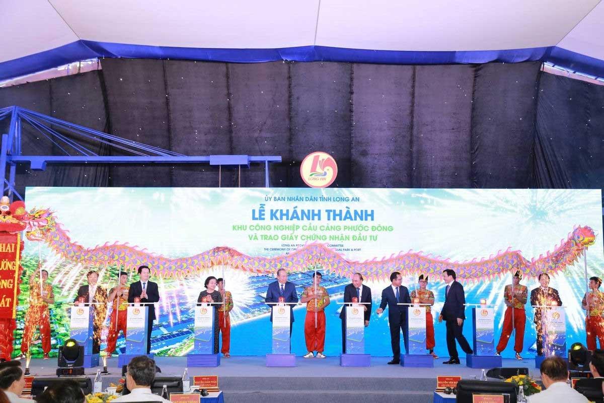 Thu tuong gat can khoi dong khanh thanh KCN Cau cang Phuoc Dong - Thủ-tướng-gạt-cần-khởi-động-khánh-thành-KCN-Cầu-cảng-Phước-Đông