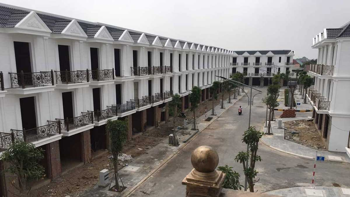 Tien do thi cong Nha pho Cite Damour - CITE DAMOUR