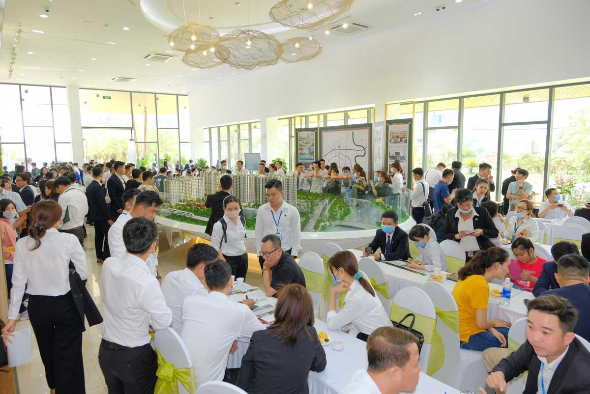 khach hang tham gia event mini cuoi tuan du an picity high park dong nghet - PICITY HIGH PARK