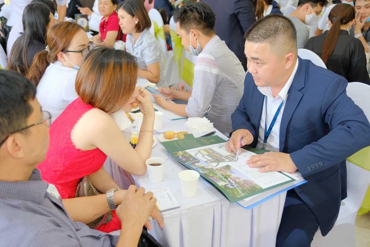 khach hang tham gia event mini cuoi tuan du an picity high park moi nhat 2021 - PICITY HIGH PARK
