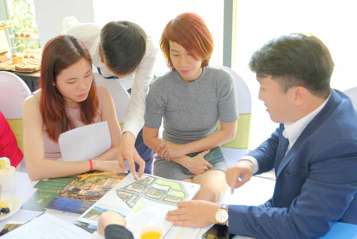 khach hang tham gia event mini cuoi tuan du an picity high park q12 - khach-hang-tham-gia-event-mini-cuoi-tuan-du-an-picity-high-park-q12