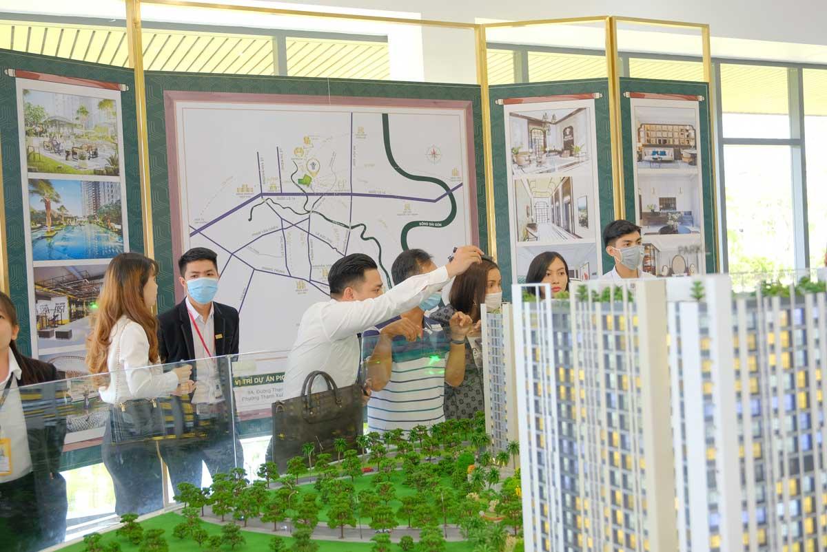 khach hang tham gia event mini cuoi tuan du an picity high park tai khu saban - PICITY HIGH PARK
