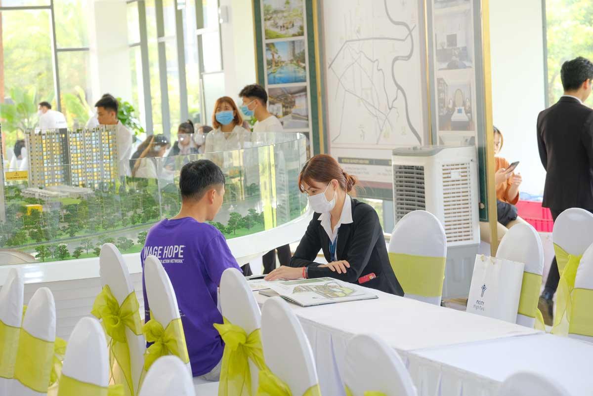 khach hang tham gia event mini cuoi tuan du an picity high park tu rat som - PICITY HIGH PARK