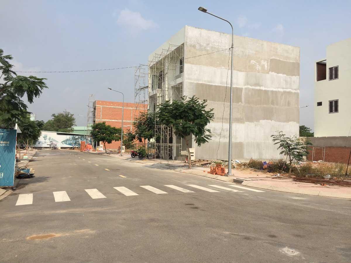 Tien do thi cong Khu nha pho Alva Plaza 2021 - Tien-do-thi-cong-Khu-nha-pho-Alva-Plaza-2021